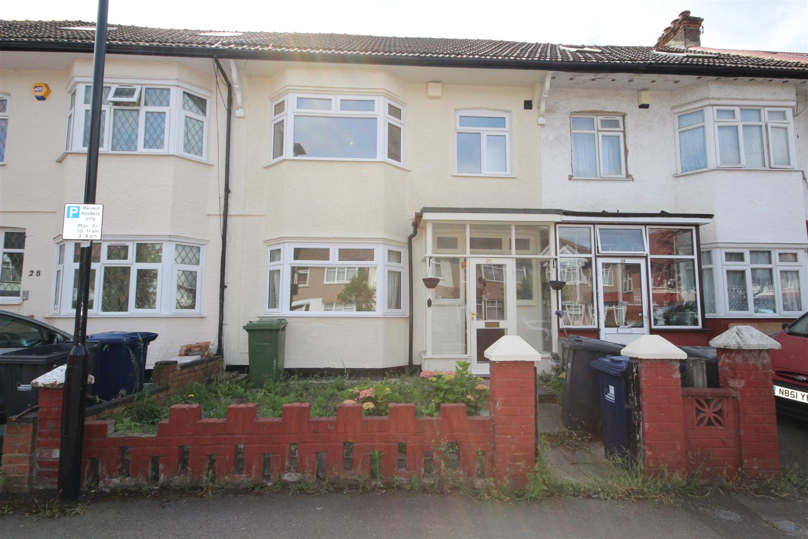 3 Bedrooms House for sale in Wesley Avenue, North Acton, NW10 7BN